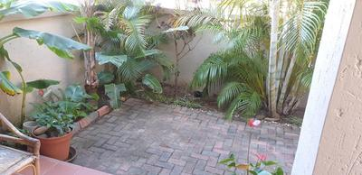 Apartment / Flat For Sale in Uvongo, Uvongo